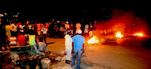 Massa Saat Berkumpul Mendengarkan Arahan dari Kapolres Abepura